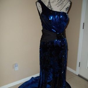 ALYCE PARIS BLUE/BLACK PROM/FORMAL GOWN SIZE 10